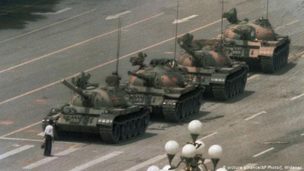"""ΗΠΑ: Πέθανε ο Τσάρλι Κόουλ, ο φωτογράφος του """"Tank Man"""""""