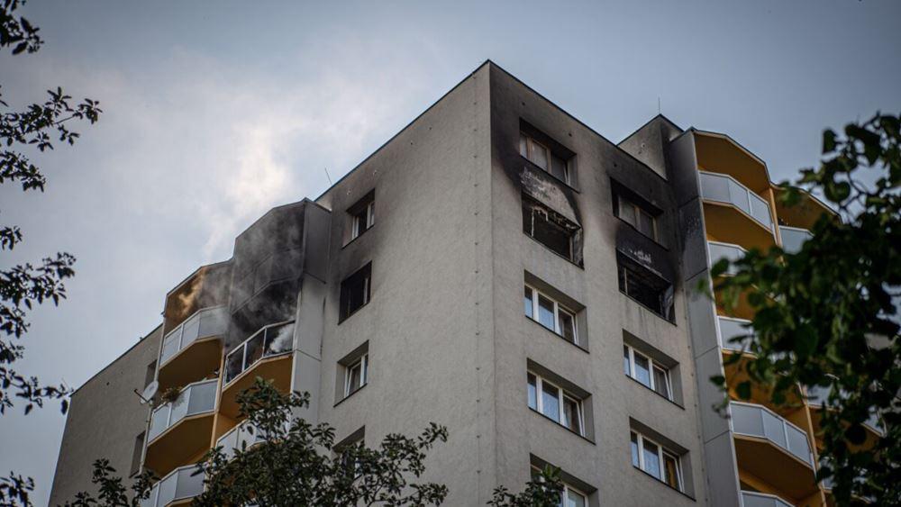 Πυρκαγιά σε πολυκατοικία στην Τσεχία: 11 νεκροί, μεταξύ αυτών τρία παιδιά