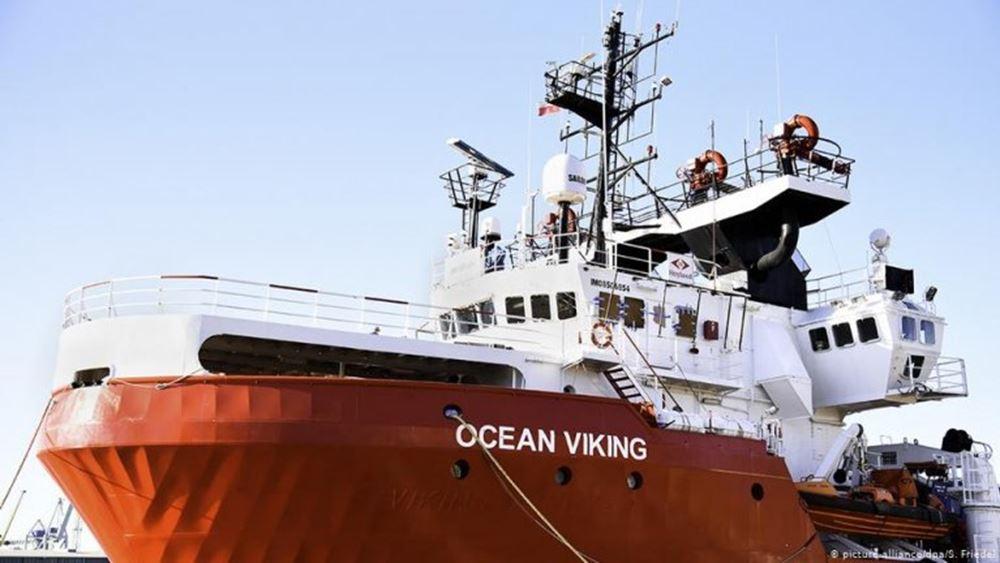 Γιατροί Χωρίς Σύνορα: Τελειώνουν τα τρόφιμα στο Ocean Viking που μεταφέρει 356 μετανάστες