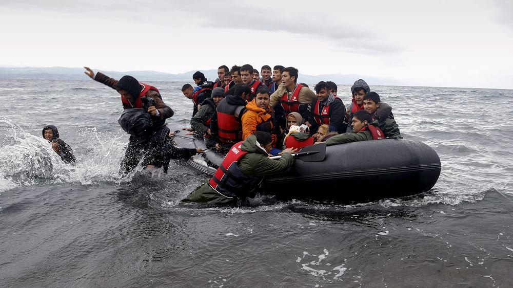 Politico: Η Ελλάδα κινδυνεύει να γίνει ένα τεράστριο στρατόπεδο προσφύγων