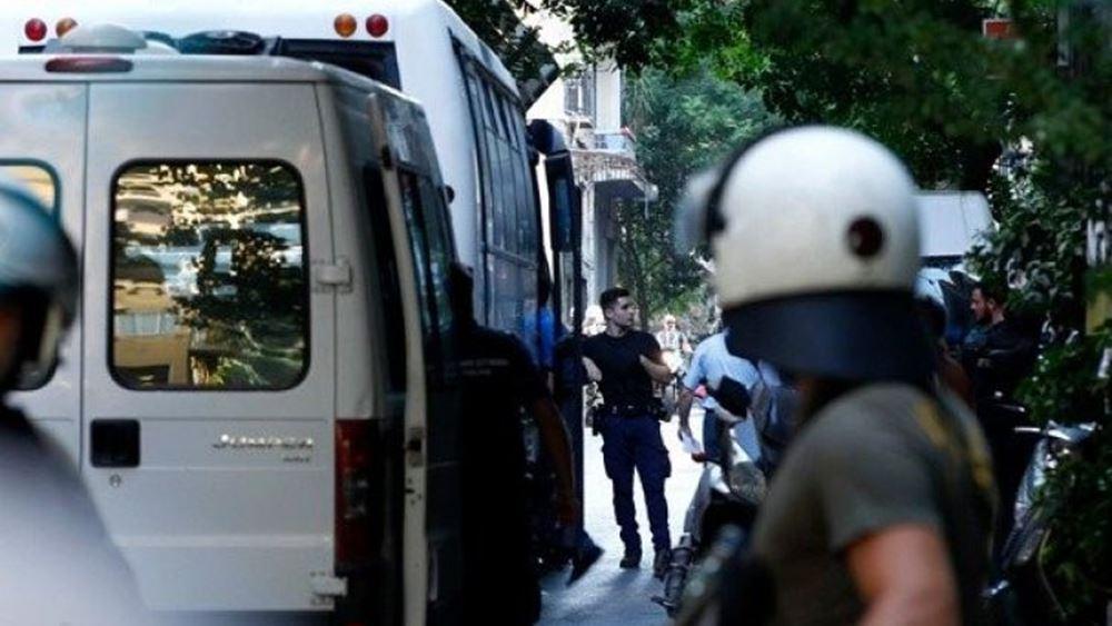 ΕΛ. ΑΣ.: Ομαλά ολοκληρώθηκε η επιχείρηση εκκένωσης των δύο υπό κατάληψη κτίριων στην Αχαρνών