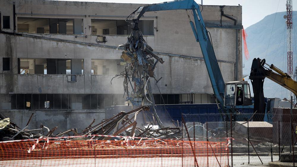 Επικίνδυνα εγκαταλελειμμένα κτίρια κατεδαφίζει ο Δήμος Αθηναίων