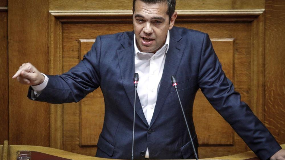 FT: Ο Α. Τσίπρας δεν έχει πείσει ούτε τους υπουργούς του ότι το πελατειακό κράτος τελείωσε