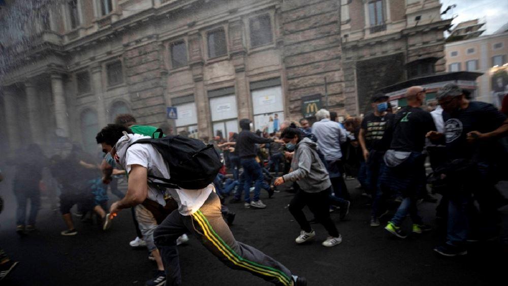 Ιταλία: Βανδαλισμός στα γραφεία του συνδικάτου Cgil από ακροδεξιούς αντιεμβολιαστές