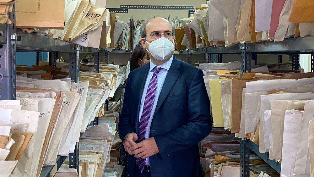 "Xατζηδάκης : ""Kόπρος του Αυγείου"" τo πρόβλημα των ταμείων από το παρελθόν, αλλά ""θα το λύσουμε"""