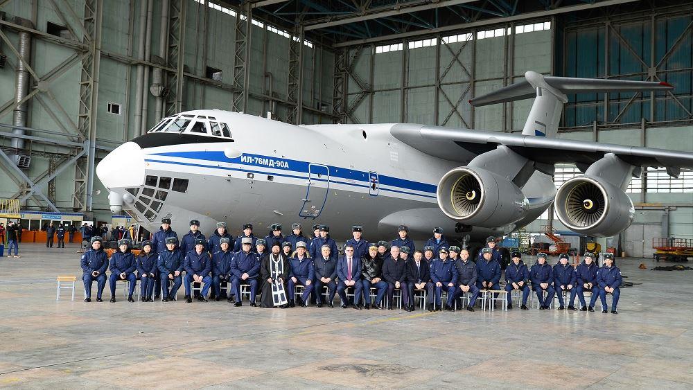 Πυρκαγιές: Ποιο είναι το θηριώδες πυροσβεστικό Ilyushin Il-76 που στέλνει η Ρωσία στην Ελλάδα