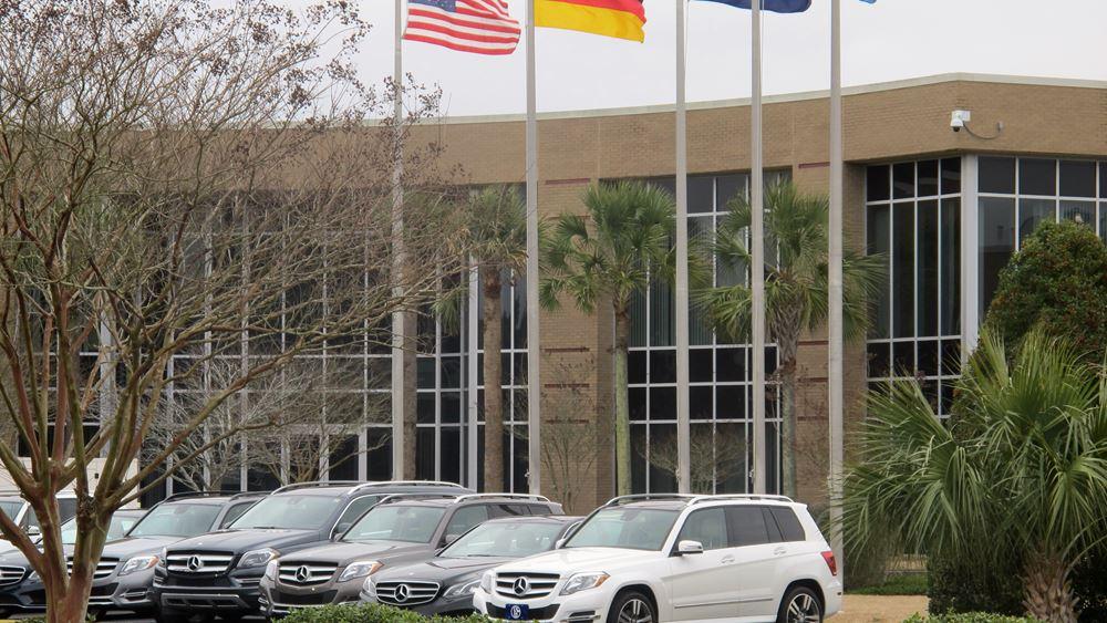 Daimler: Προειδοποιεί για ζημιές το β' τρίμηνο