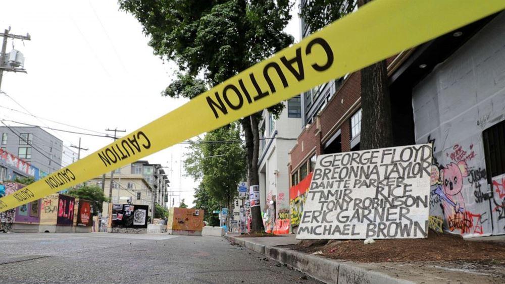 ΗΠΑ: Αυτοκίνητο έπεσε πάνω σε διαδηλωτές στην πολιτεία της Ουάσινγκτον