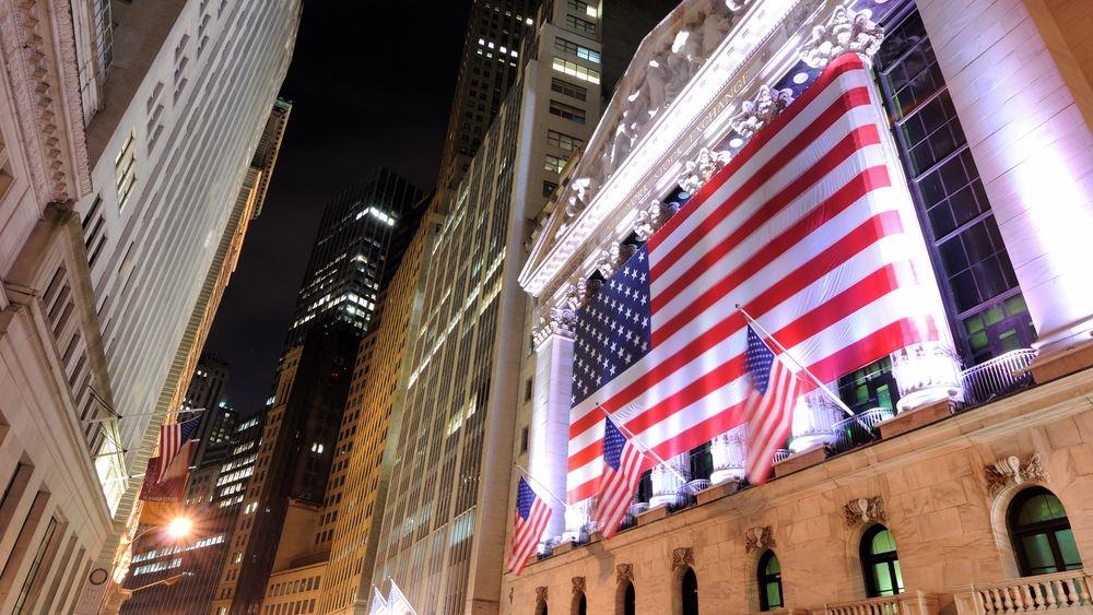 Wall Street: Πάνω από τις 10.000 μονάδες για πρώτη φορά ο Nasdaq -δεν έπεισε η Fed