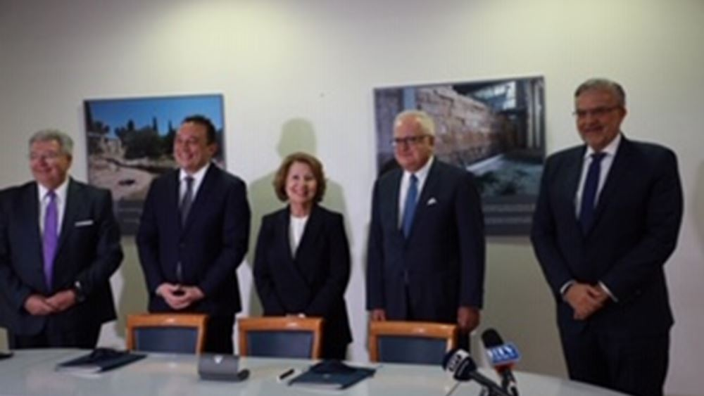 Μνημόνιο συνεργασίας μεταξύ Γενικής Γραμματείας Αποδήμου Ελληνισμού και Τράπεζας Πειραιώς