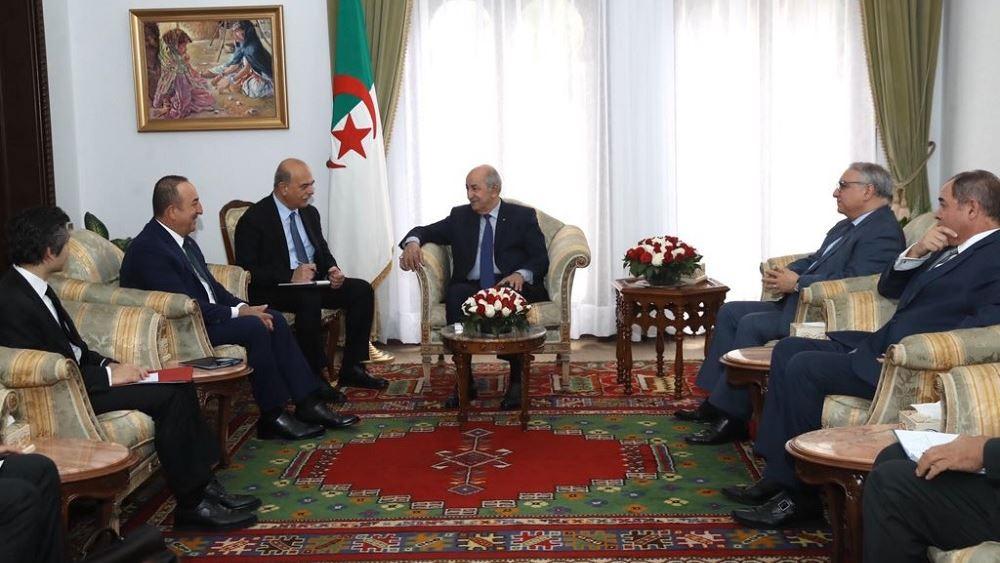 Αλγερία: Ο πρόεδρος Τεμπούν και ο Τσαβούσογλου συζήτησαν για την κατάσταση στη Λιβύη