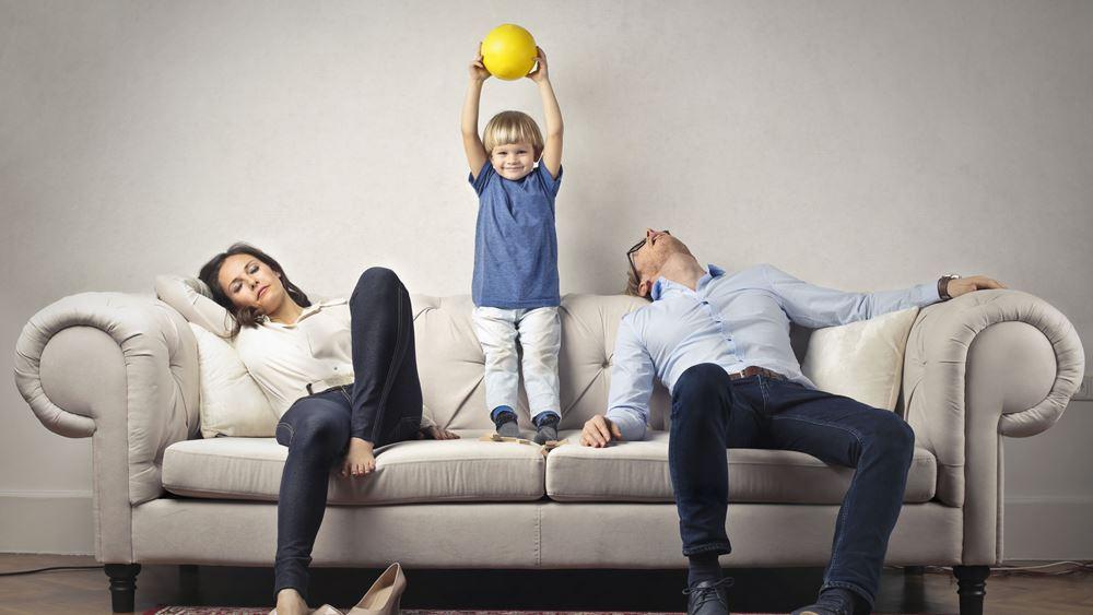 """""""Συνεπιμέλεια"""" με point system για εμπόδια στην επικοινωνία με τον γονέα"""