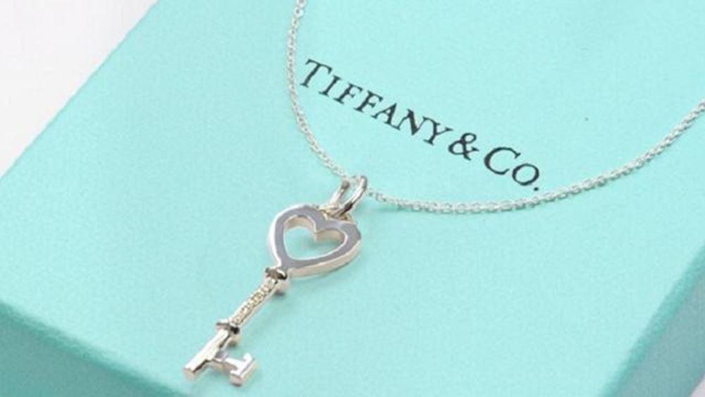 Χαμηλότερα των προσδοκιών οι πωλήσεις της Tiffany