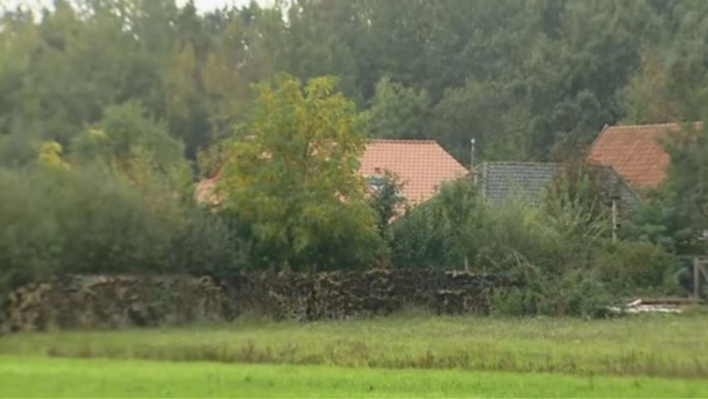 Ολλανδία: Ανακρίνεται ο άνδρας που πλήρωνε το ενοίκιο στο αγρόκτημα μέσα στο οποίο εντοπίστηκε να ζει κρυμμένη επί χρόνια μια οικογένεια