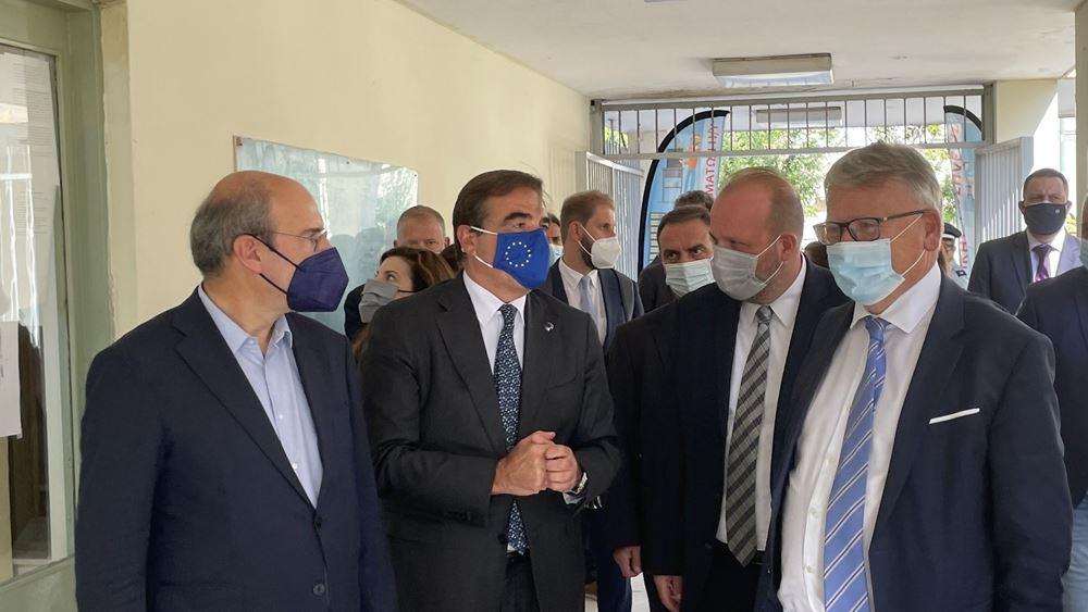 Χατζηδάκης, Σχοινάς και ΕυρωπαίοςΕπίτροποςΕργασίας επισκέφθηκαν τη 2η ΕΠΑΣτου ΟΑΕΔ στη Θεσσαλονίκη