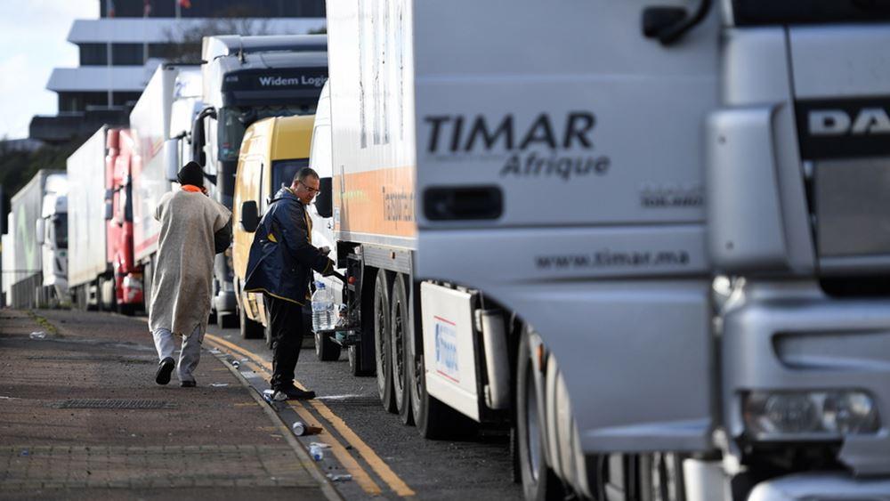 Βρετανία: Αναχώρησαν από το Ντόβερ 4.500 νταλίκες που είχαν μπλοκαριστεί από τις αρχές της εβδομάδας