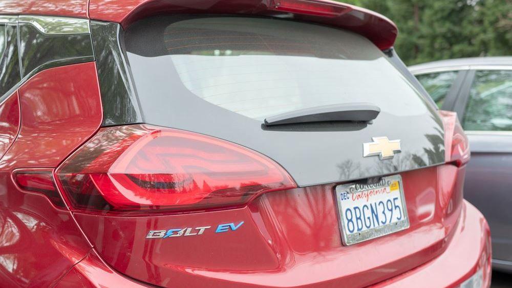 Ποιος φτιάχνει μπαταρίες ηλεκτρικών αυτοκινήτων που πιάνουν φωτιά