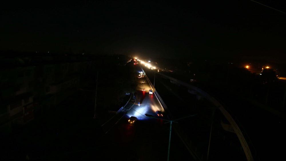 Πακιστάν: Η ηλεκτροδότηση αποκαταστάθηκε στη χώρα μετά το ολικό μπλακ-άουτ