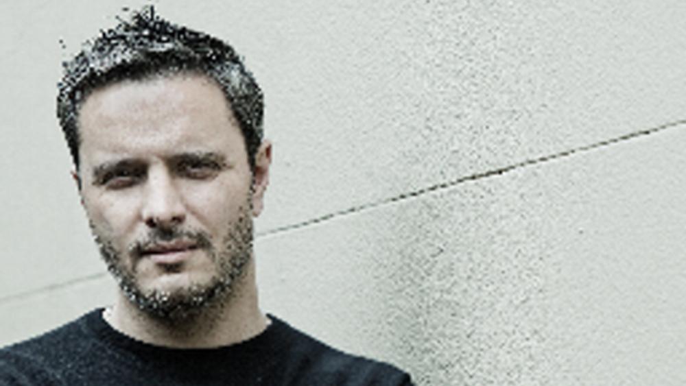 Αποχωρεί ο επικεφαλής δημιουργικού της Ελληνικής Κυβέρνησης Steve Vranakis