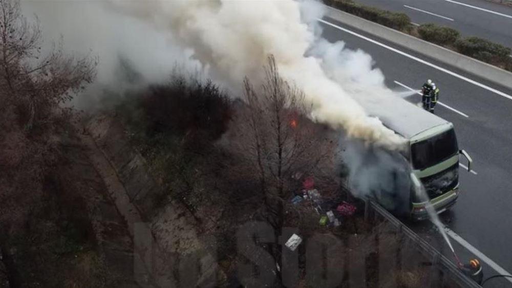 Στις φλόγες διώροφο τουριστικό λεωφορείο στο Μαρτίνο