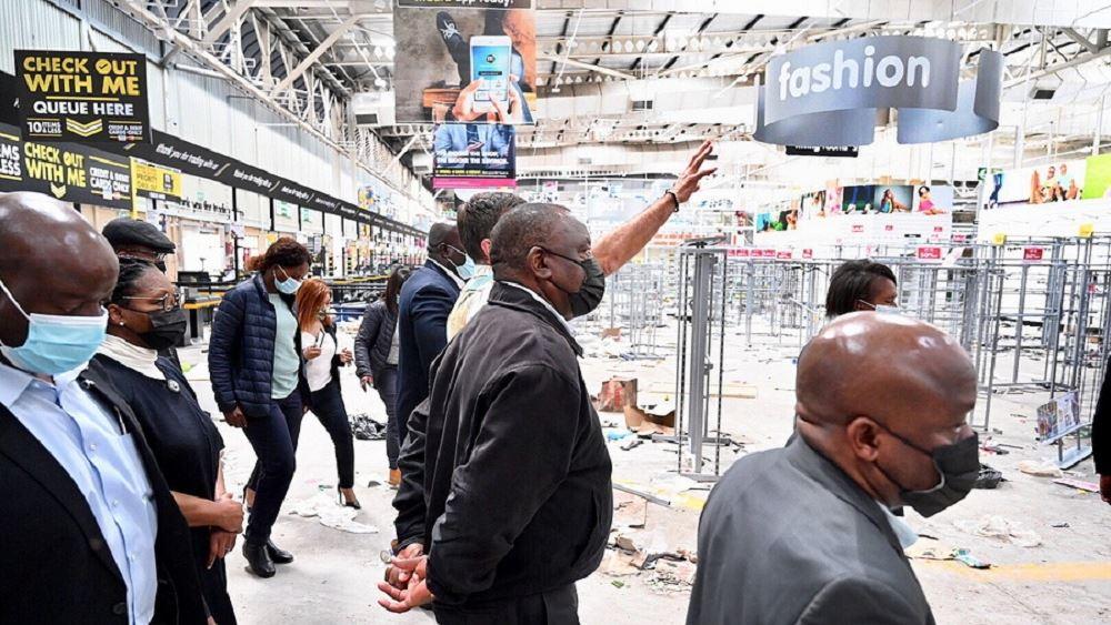 Νότια Αφρική: Στους 212 ανήλθε ο αριθμός των νεκρών από τα βίαια επεισόδια