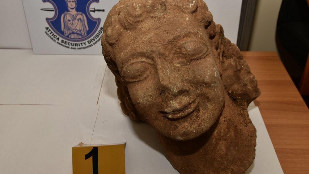 Κεφαλή Κούρου μεγάλης αξίας εντόπισε η αστυνομία στα χέρια αρχαιοκάπηλου