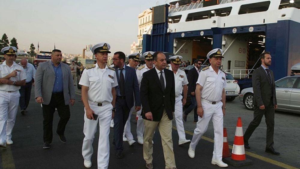 Επίσκεψη Πλακιωτάκη στο κεντρικό λιμάνι του Πειραιά