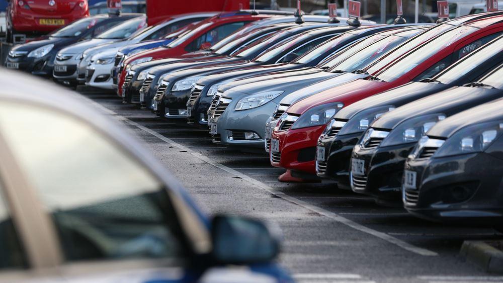 Κατά 35% υποχώρησαν οι πωλήσεις αυτοκινήτων το β΄ τρίμηνο