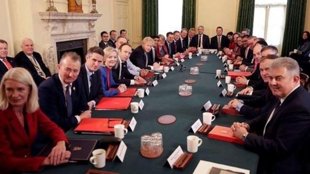 Βρετανία: Πρώτη συνεδρίαση του νέου υπουργικού συμβουλίου Τζόνσον, με σφραγίδα... Κάμινγκς