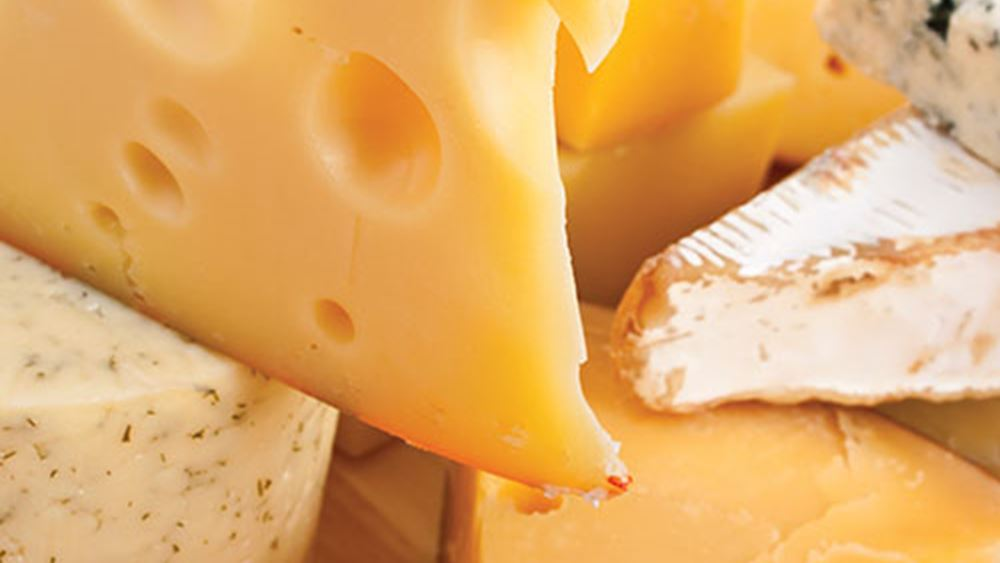 """""""Κάψαμε"""" 4,2 δισ. ευρώ για εισαγωγές τυριών στη 10ετία"""