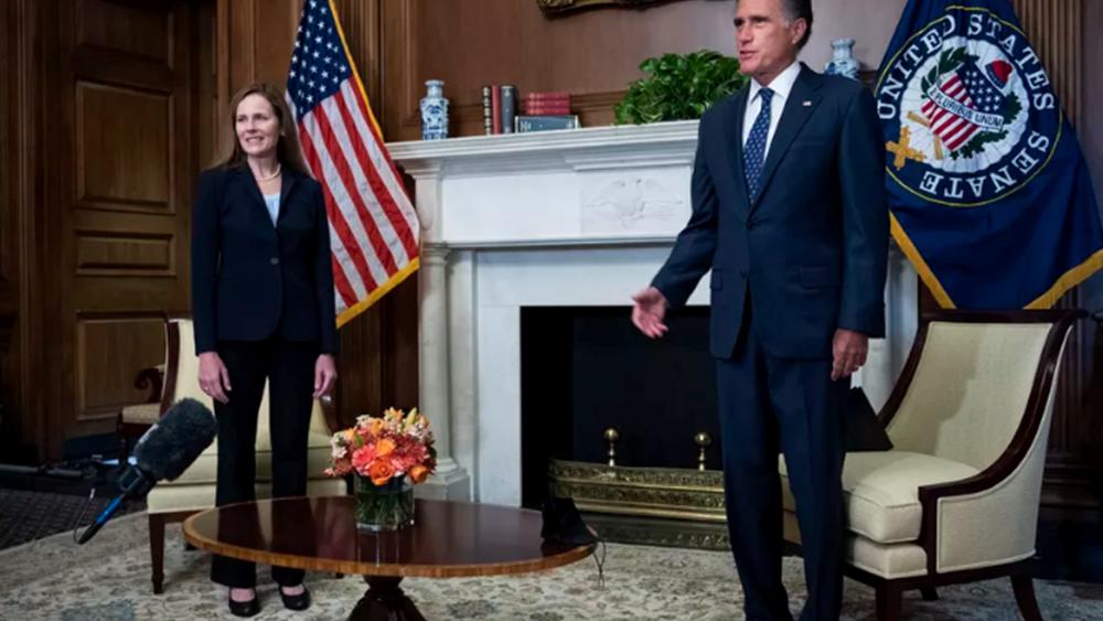 Ο Ρεπουμπλικανός γερουσιαστής Μιτ Ρόμνεϊ παίρνει αποστάσεις από τον πρόεδρο Τραμπ