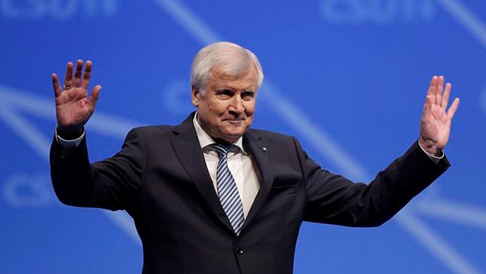 Γερμανία: Ο Seehofer επανεξελέγη πρόεδρος του CSU