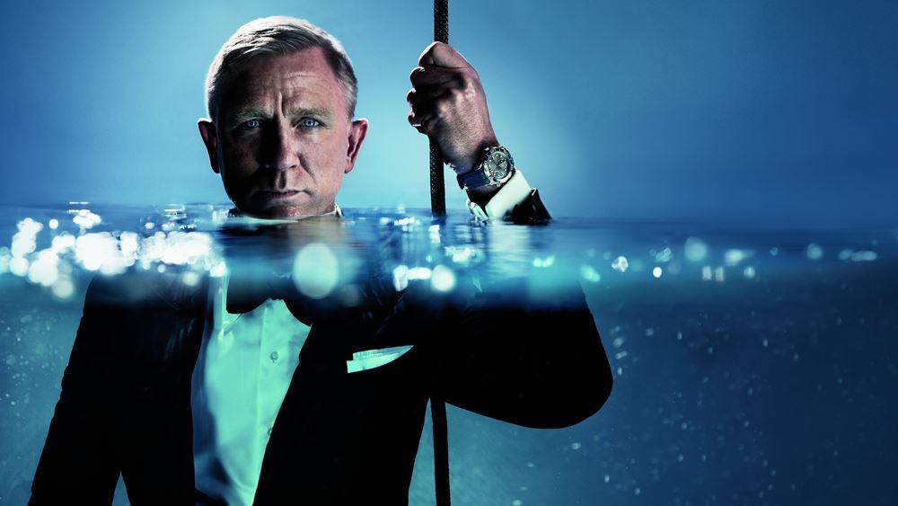 Ο Daniel Craig φέρνει το ρολόι Seamaster Diver 300M στην επιφάνεια