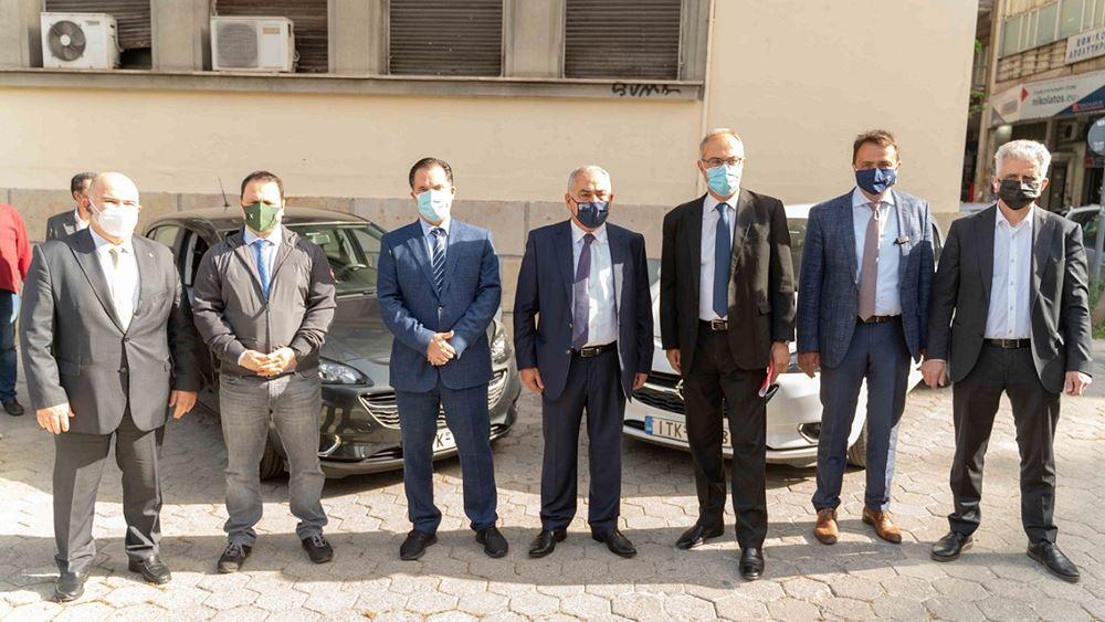 Το ΕΕΑ παρέδωσε δύο μισθωμένα οχήματα στη Γενική Γραμματεία Εμπορίου για την πάταξη του παραεμπορίου