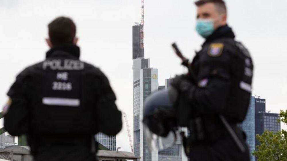 Γερμανία: Όχημα έπεσε πάνω στην πύλη της καγκελαρίας στο Βερολίνο