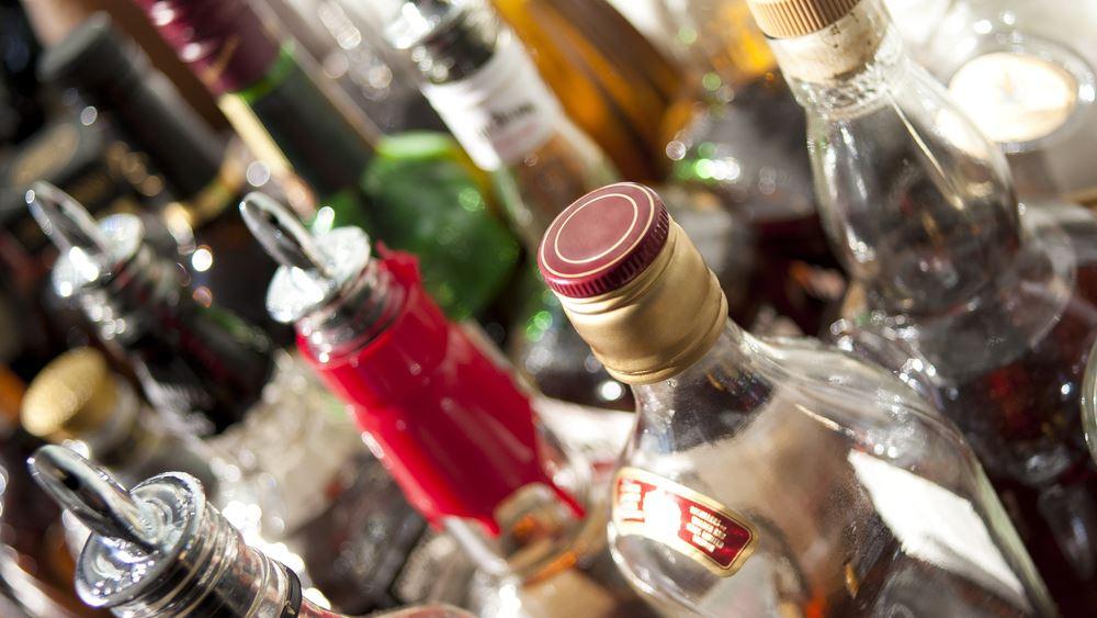 Κατασχέθηκαν 54 τόνοι νοθευμένων ποτών σε 48 ώρες