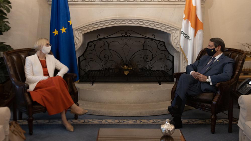 Κύπρος: Συνάντηση Αναστασιάδη με την απερχόμενη ειδική αντιπρόσωπο του γγ του ΟΗΕ