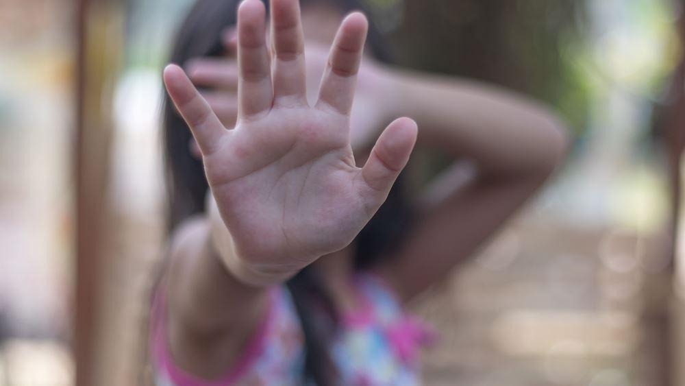 Δύο στα δέκα παιδιά στη χώρα μας έχουν υποστεί κακοποίηση