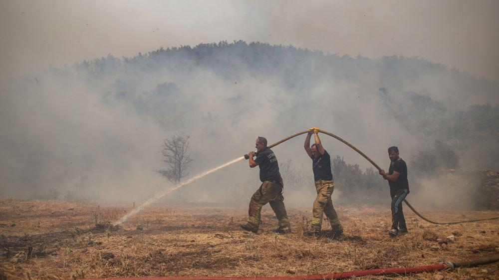 Τουρκία: Οι εθελοντές χωρικοί, οι αφανείς ήρωες στη μάχη για την κατάσβεση των πυρκαγιών