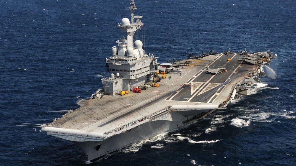 Γαλλία: Το αεροπλανοφόρο Σαρλ ντε Γκολ θα υποστηρίξει τις επιχειρήσεις στη Μέση Ανατολή