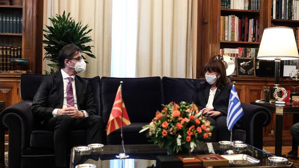 Σακελλαροπούλου προς Πενταρόφσκι: Κρίσιμη η πλήρης εφαρμογή Πρεσπών για τις σχέσεις Ελλάδας - Β. Μακεδονίας