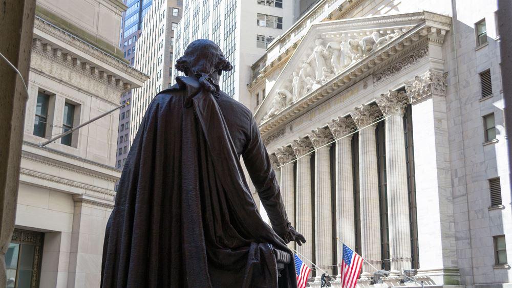 Ανεβάζει βηματισμό η Wall με το βλέμμα στη Fed