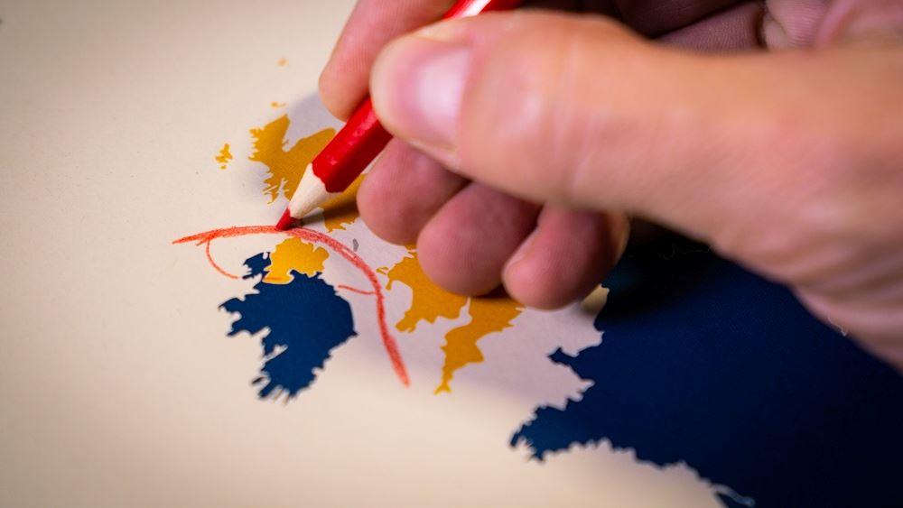 ΕΕ σε Βρετανία: Συμφωνία τύπου Ελβετίας για να λυθεί το αδιέξοδο στη Βόρεια Ιρλανδία