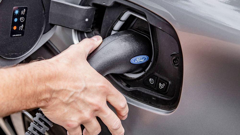 Η Ford επενδύει 1 δισ. δολάρια στην Ευρώπη: Στόχος όλα τα μοντέλα της μετά το 2030 να είναι ηλεκτρικά