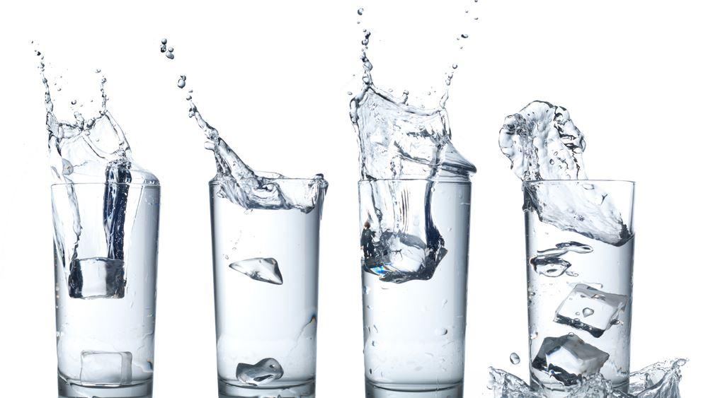 Δεν μπορείτε να πίνετε 8 ποτήρια νερό τη μέρα; Μην πιέζεστε!