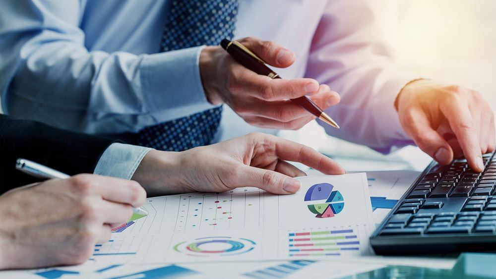 Το σχέδιο της κυβέρνησης για μεγαλύτερες μικρομεσαίες επιχειρήσεις