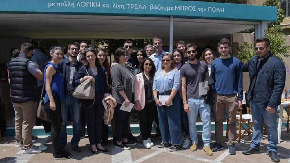 """Ο Κ. Μπακογιάννης στο ψηφιακό και eco friendly εκλογικό περίπτερο του συνδυασμού """"Αθήνα Ψηλά"""""""