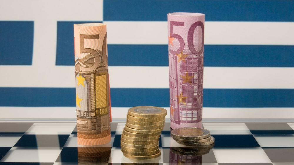 Capital Economics: Η Ελλάδα πιάνει τους στόχους, αλλά τα έσοδα μειώνονται