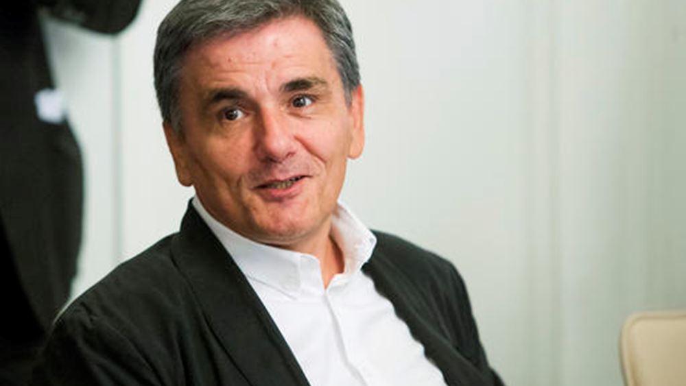 """Τσακαλώτος: Η Ελλάδα θα πετύχει """"καθαρή έξοδο"""" από τα μνημόνια το 2018"""