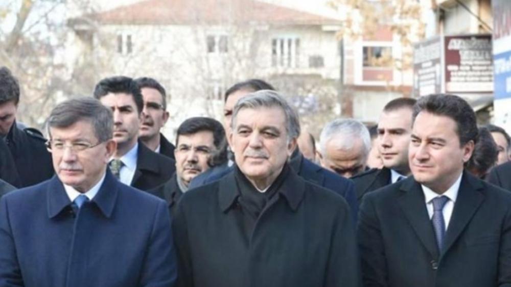 """Πώς η αποπομπή Νταβούτογλου μπορεί να """"διαλύσει"""" τα σχέδια των κομματικών αντιπάλων του Ερντογάν"""